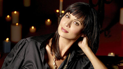 HALLMARK CHANNEL INKS DEAL WITH CATHERINE BELL TO BRING BELOVED  'THE GOOD WITCH'  CHARACTER TO TV IN A ONE-HOUR ORIGINAL SCRIPTED SERIES FOR Q1 2015