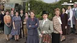 ITV commissions a second series of Home Fires