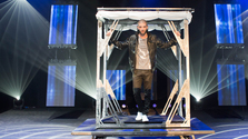 Darcy Oake: Edge Of Reality