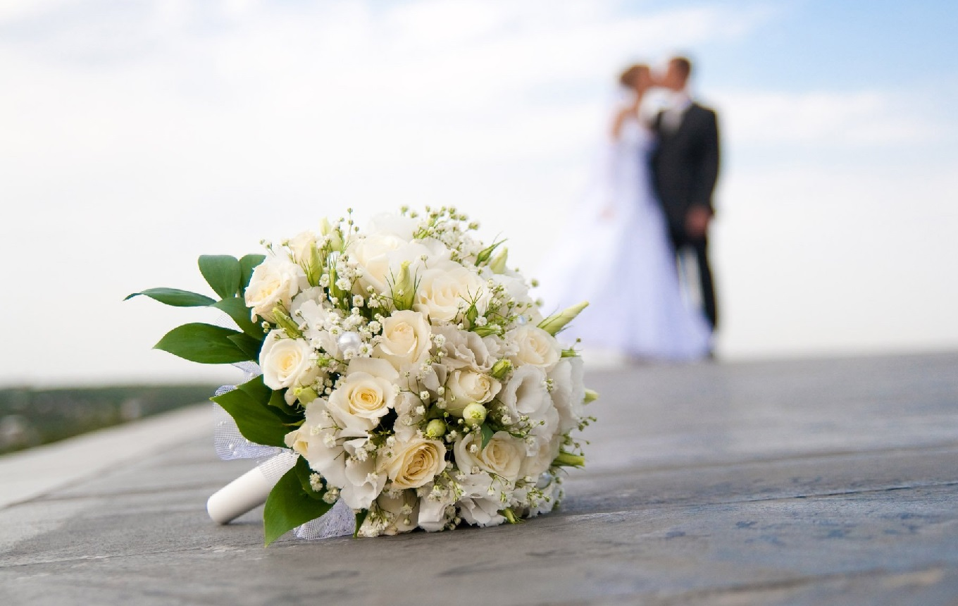 4 Mariages Pour Une Lune de Miel - <p>                                                   Une compétition d'un nouveau genre dans laquelle 4 mariées s'affrontent dans l'espoir de remporter une lune de miel 5 étoiles. </p>
